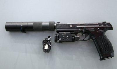 """""""كلاشنيكوف"""" تنتج مسدسا يتمتع بمزايا عديدة"""