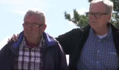 بالفيديو: الصدفة تجمع أخيْن بعد 70 عاماً