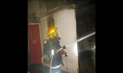 إخماد حريق داخل غرفة يقطنها عمال أجانب في نهر الموت