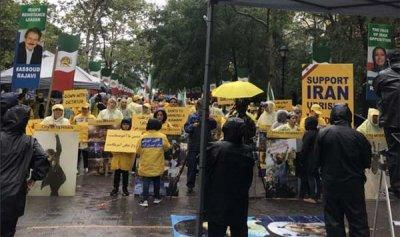 """بالصور – غاضبون يواجهون روحاني: """"اطردوا الإرهابي"""""""