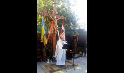 ارتفاع تمثال القديس شربل في أوكرانيا