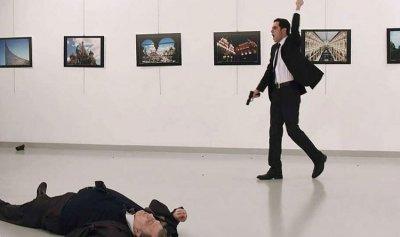 صور جديدة لقاتل السفير الروسي تكشف مفاجأة يوم الاغتيال