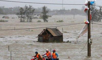 قتلى جراء فيضانات وانهيارات أرضية في فيتنام
