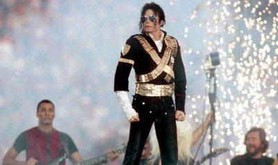 الحارس الشخصي لمايكل جاكسون يكشف سر وفاته