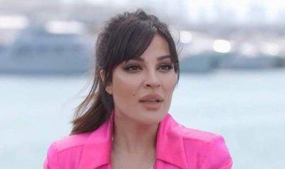"""إليسا تلمس مشاعر نادين نجيم """"المدفونة"""""""