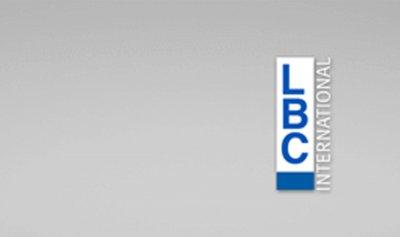 """فريق الـ""""LBCI"""" يتعرض للضرب في المنصوري… والمعتدي في قبضة الأمن"""