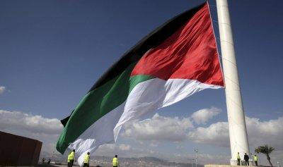 تنكيس علم ديوان الأردن الملكي حدادا على ضحايا مصر