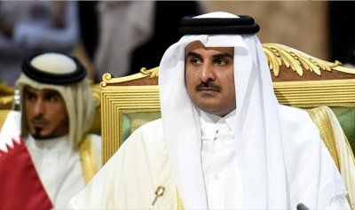 أمير قطر يلتقي نظيره الكويتي