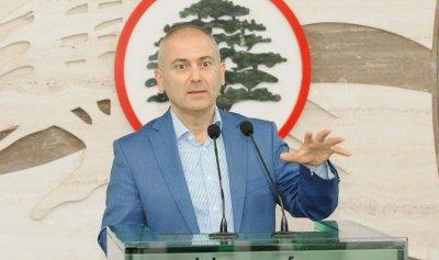 محفوض لقاسم: لماذا لا تقنعون الاسد بإعادة السوريين؟