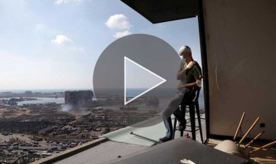 بالفيديو: اللبنانيون يمسحون دموع بيروت