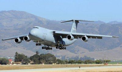 قاعدة رياق الجوية… من خروج الجيش السوري إلى استقبال الطائرات الأميركية