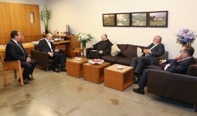 دعوة لجعجع للمشاركة بسيامة النائب البطريركي الجديد