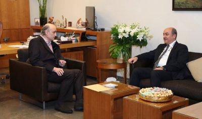جعجع بحث المستجدات مع سفير تركيا