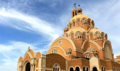 بالفيديو: اروع المشاهد من الجوّ لكاتدرائية القديس بولس حريصا