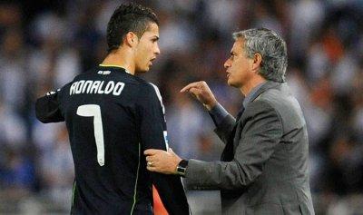 """مودريتش """"يتهم"""" مورينيو ببكاء رونالدو"""
