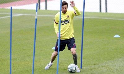 ميسي يطمئن جماهير برشلونة