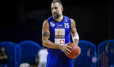 بالفيديو: فادي الخطيب يعتزل كرة السلة