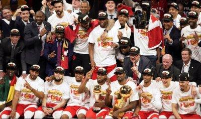"""تورنتو بطل الـ""""NBA"""""""