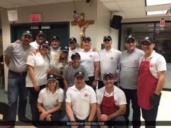 """مركز \""""القوات\"""" - مونتريال يقدم وجبات غذائية للمشردين"""