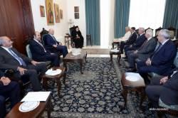 وفد القوات اللبنانية في زيارة المطران عودة